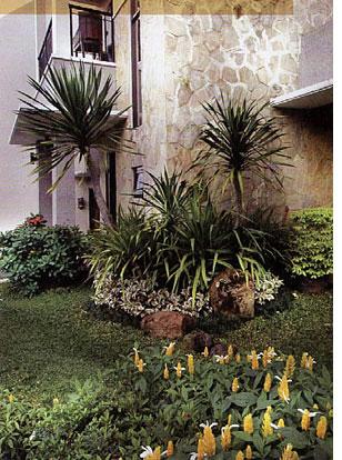 Design home batu alam sebagai aksen for Piedras blancas jardin baratas